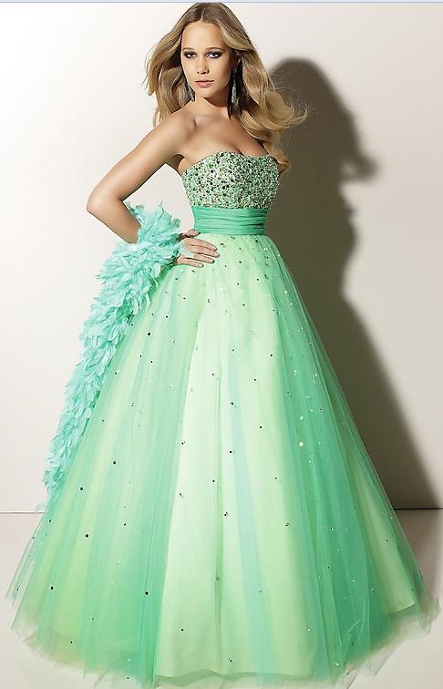 plesové šaty » skladem plesové » do 5000Kč · plesové šaty » skladem plesové  » zelená e24582364a